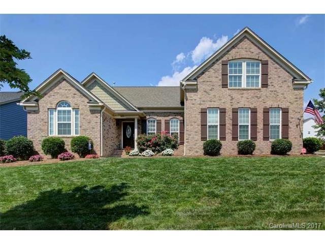 16151 Grassy Creek Drive, Huntersville, NC 28078 (#3302842) :: Pridemore Properties