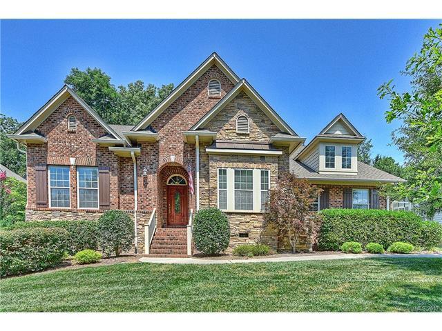 15024 Old Vermillion Drive, Huntersville, NC 28078 (#3303090) :: Puma & Associates Realty Inc.