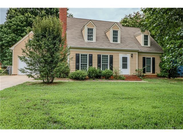 11709 Charnwood Court, Charlotte, NC 28277 (#3305151) :: Pridemore Properties