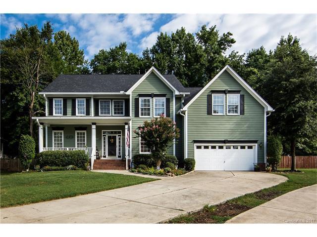 15803 Cordelia Oaks Lane, Huntersville, NC 28078 (#3307060) :: LePage Johnson Realty Group, Inc.