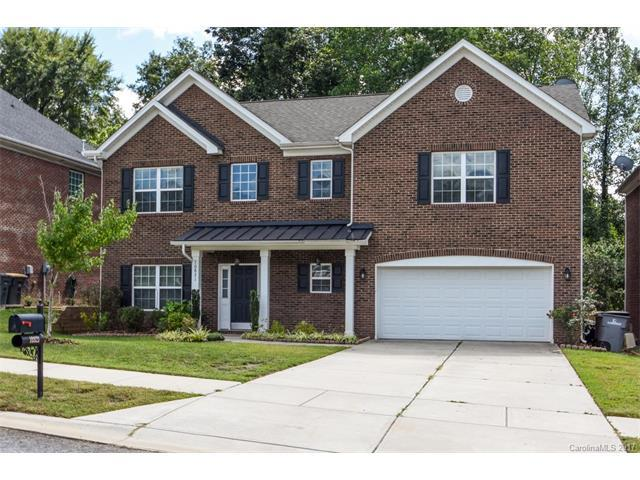 10821 Bennett Drive, Davidson, NC 28036 (#3307222) :: The Andy Bovender Team