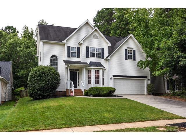 9922 Glencrest Drive, Huntersville, NC 28078 (#3307621) :: Cloninger Properties