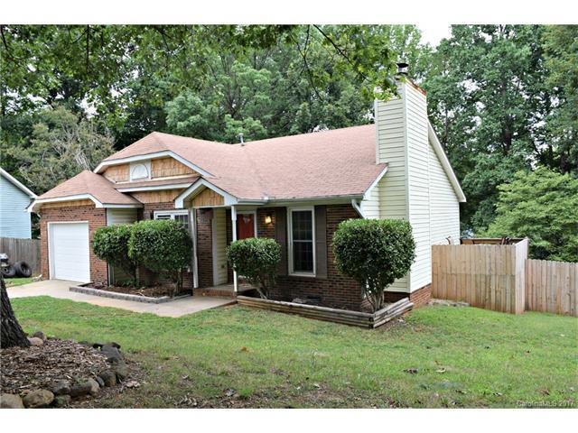 5848 Woodrock Court, Charlotte, NC 28214 (#3310583) :: Rinehart Realty