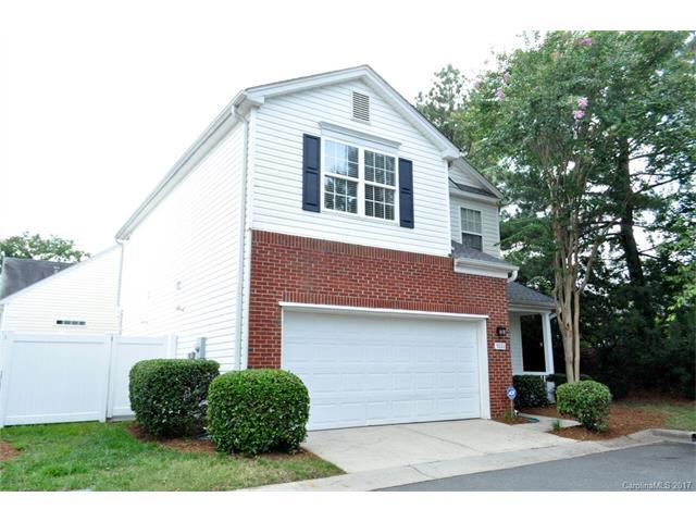 9220 Meadowmont View Drive, Charlotte, NC 28269 (#3311011) :: The Ramsey Group