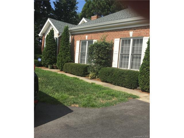 11302 Olde Turnbury Court, Charlotte, NC 28277 (#3311508) :: The Andy Bovender Team