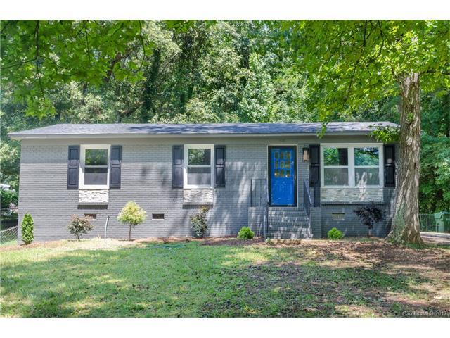 804 Woodlawn Avenue, Mount Holly, NC 28120 (#3312154) :: The Andy Bovender Team