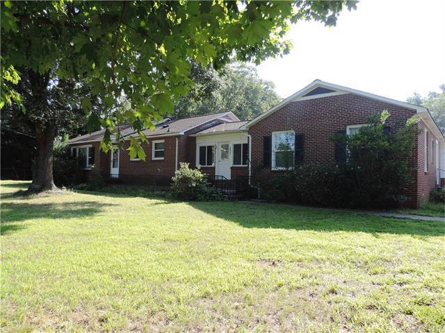 2124 N Aspen Street, Lincolnton, NC 28092 (#3312381) :: Cloninger Properties