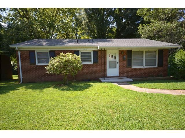 4041 Carlyle Drive, Charlotte, NC 28208 (#3312492) :: Cloninger Properties