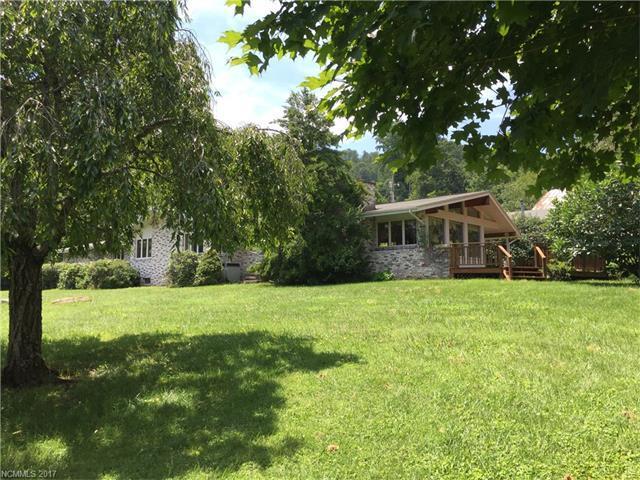 322 N Kitchens Branch Road, Sylva, NC 28779 (#3312921) :: LePage Johnson Realty Group, LLC