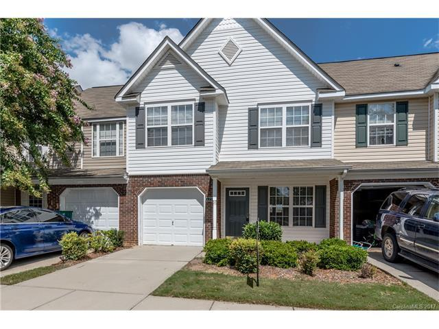 635 Rock Lake Glen, Fort Mill, SC 29715 (#3312930) :: Leigh Brown and Associates with RE/MAX Executive Realty