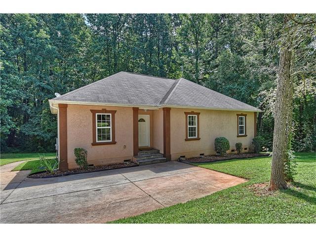 209 Rhyne Station Road, Charlotte, NC 28214 (#3312952) :: SearchCharlotte.com