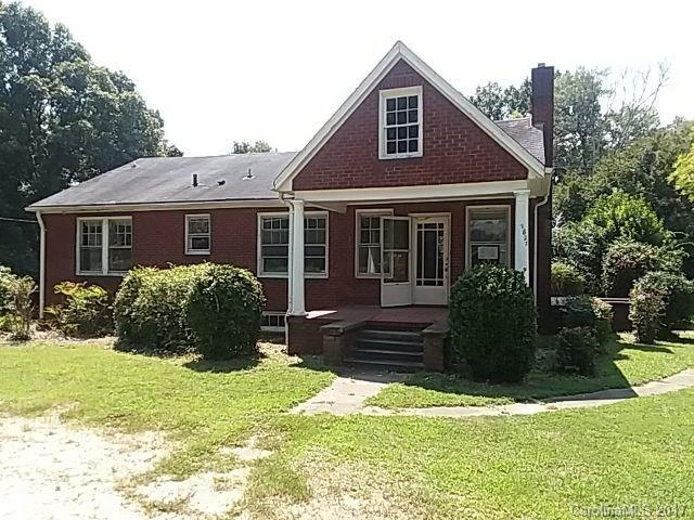 1827 Little Rock Road, Charlotte, NC 28214 (#3314454) :: Leigh Brown and Associates with RE/MAX Executive Realty