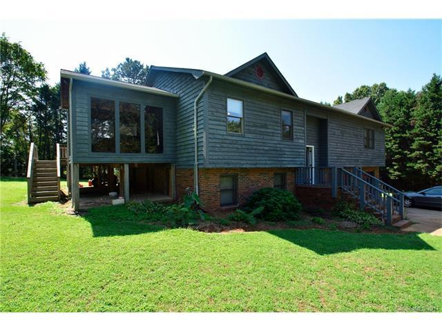 835 Kentwood Circle, Statesville, NC 28677 (#3315257) :: Exit Mountain Realty