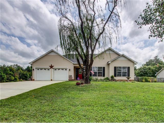103 Park Vista Drive, Troutman, NC 28166 (#3316868) :: LePage Johnson Realty Group, Inc.