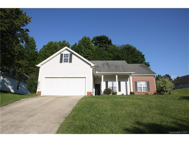 1020 Stinson Glen Lane, Charlotte, NC 28214 (#3317571) :: LePage Johnson Realty Group, Inc.