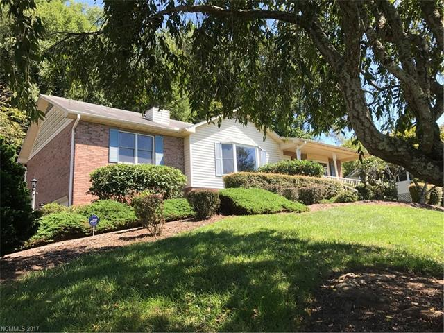 129 Mountain Valley Drive, Hendersonville, NC 28739 (#3317592) :: The Ann Rudd Group