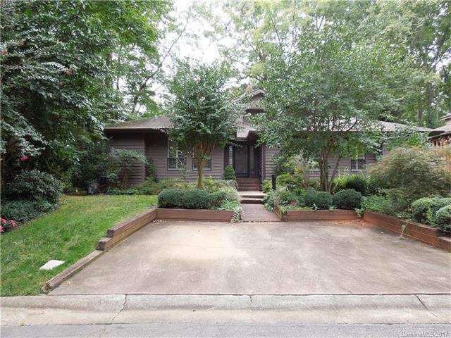 240 Spinnaker Court, Davidson, NC 28036 (#3319341) :: Besecker Homes Team