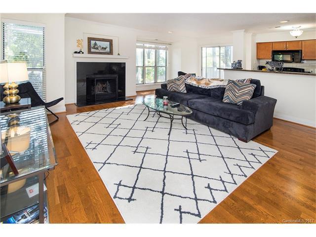 2506 Cranbrook Lane #3, Charlotte, NC 28207 (#3319995) :: Pridemore Properties