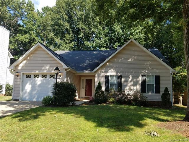 4210 Huntmeadow Drive, Charlotte, NC 28269 (#3320198) :: Berry Group Realty