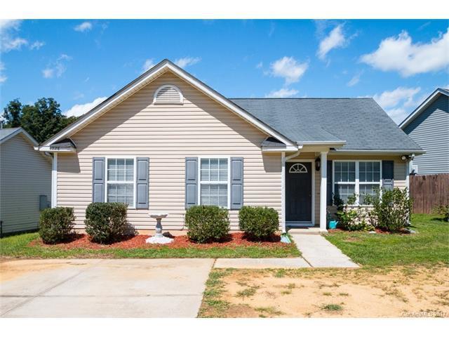 4728 Palm Breeze Lane, Charlotte, NC 28208 (#3321354) :: LePage Johnson Realty Group, Inc.