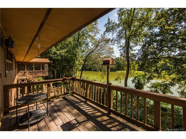 3509 Windbluff Drive, Charlotte, NC 28277 (#3321388) :: Berry Group Realty