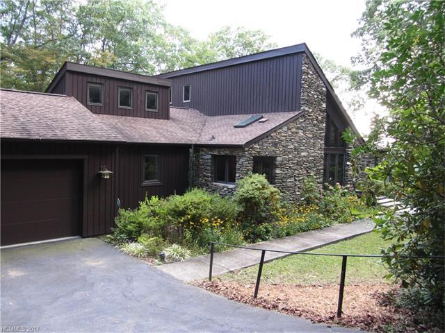 203 Tower Circle, Hendersonville, NC 28739 (#3321640) :: Stephen Cooley Real Estate Group