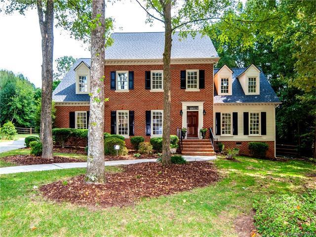 10201 Kilmory Terrace, Charlotte, NC 28210 (#3322033) :: Berry Group Realty