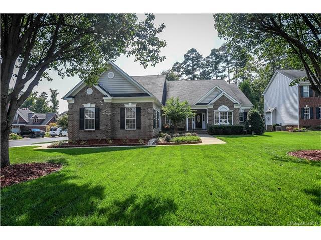 611 Rosecrea Court, Matthews, NC 28104 (#3322166) :: Leigh Brown and Associates with RE/MAX Executive Realty