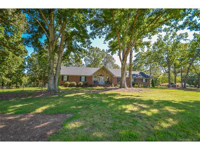 3017 Waxhaw Highway, Monroe, NC 28112 (#3322912) :: Puma & Associates Realty Inc.