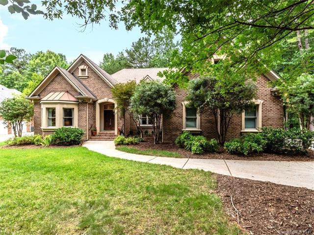 3916 Mountain Cove Drive, Charlotte, NC 28216 (#3323051) :: Carlyle Properties