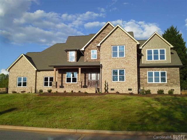 3831 8th Street Place NW, Hickory, NC 28601 (#3323155) :: Rinehart Realty