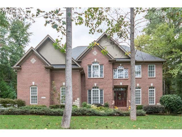 2043 Slippery Rock Cove, Lake Wylie, SC 29710 (#3325897) :: SearchCharlotte.com