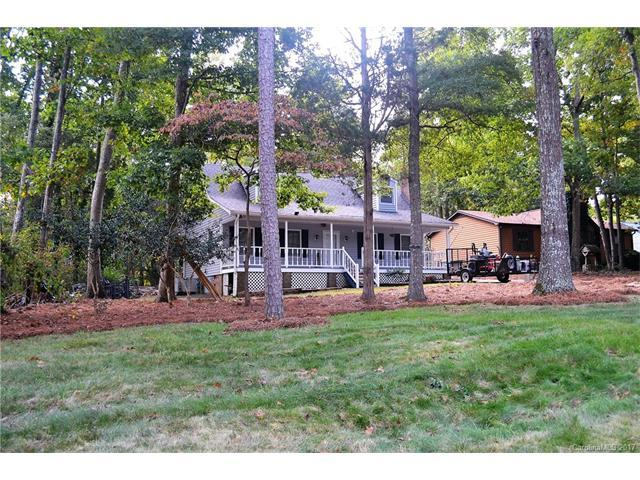 1220 Robinhood Circle, Charlotte, NC 28227 (#3326697) :: The Andy Bovender Team