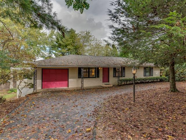 67 Underhill Road, Hendersonville, NC 28792 (#3328098) :: LePage Johnson Realty Group, LLC