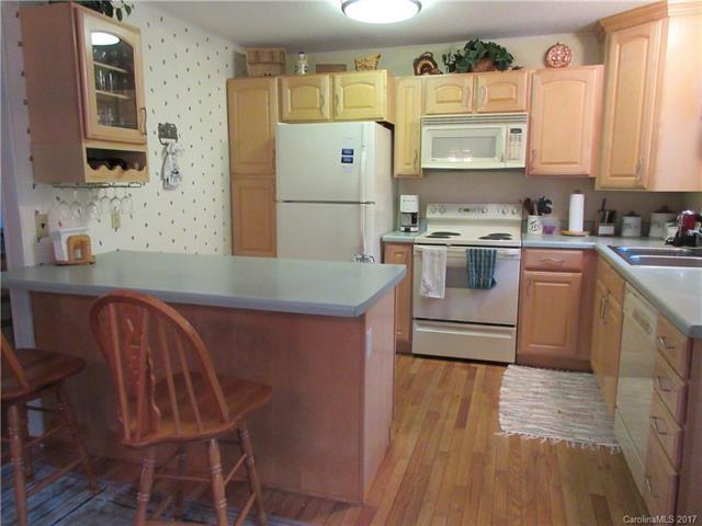 225 Fairway Lane D, Spruce Pine, NC 28777 (#3328274) :: Miller Realty Group