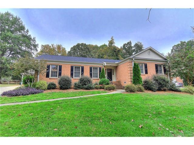 6810 Rosemary Lane, Charlotte, NC 28210 (#3328433) :: High Performance Real Estate Advisors