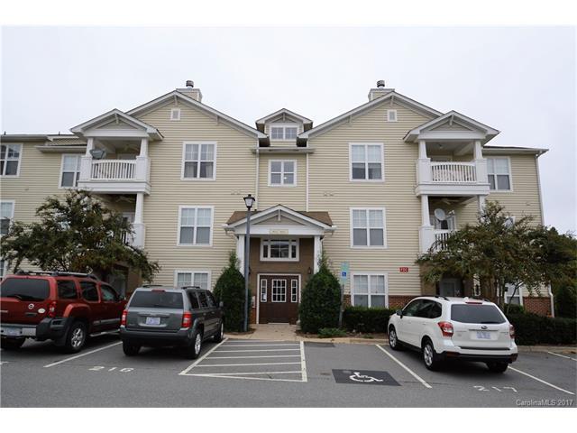 9021 Mcdowell Creek Court, Cornelius, NC 28031 (#3329424) :: High Performance Real Estate Advisors