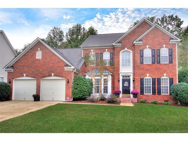 15611 Donnington Drive, Charlotte, NC 28277 (#3329425) :: Southern Bell Realty