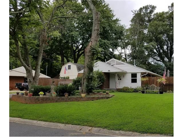 628 Lochridge Road, Charlotte, NC 28209 (#3329463) :: Stephen Cooley Real Estate Group