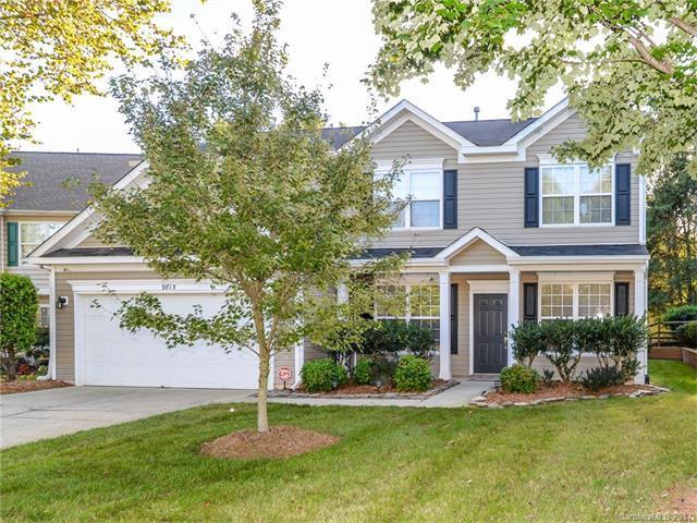 9815 Steed Court, Charlotte, NC 28269 (#3329993) :: Cloninger Properties