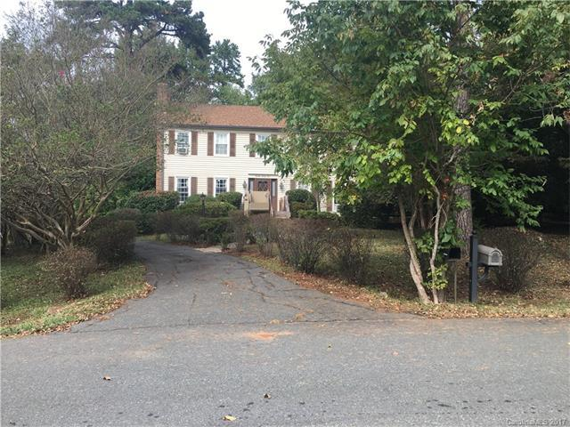 1324 Home Place, Matthews, NC 28105 (#3329997) :: Leigh Brown and Associates with RE/MAX Executive Realty