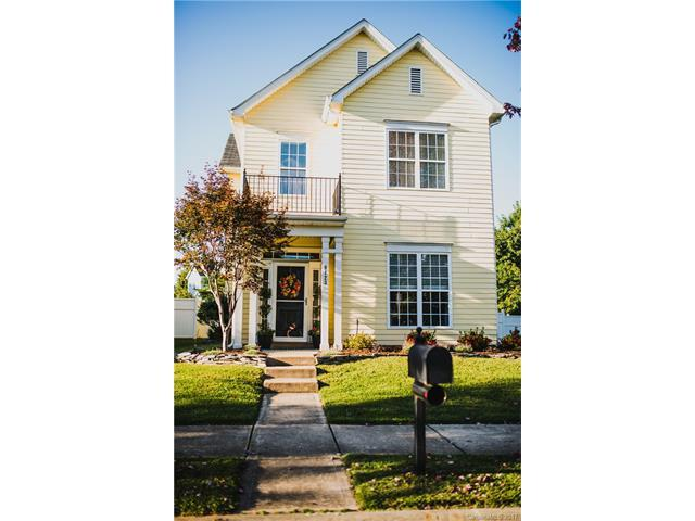 8123 Bud Henderson Road, Huntersville, NC 28078 (#3330125) :: Puma & Associates Realty Inc.