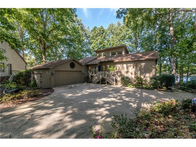 15835 Pineknoll Lane #9, Huntersville, NC 28078 (#3330279) :: LePage Johnson Realty Group, Inc.