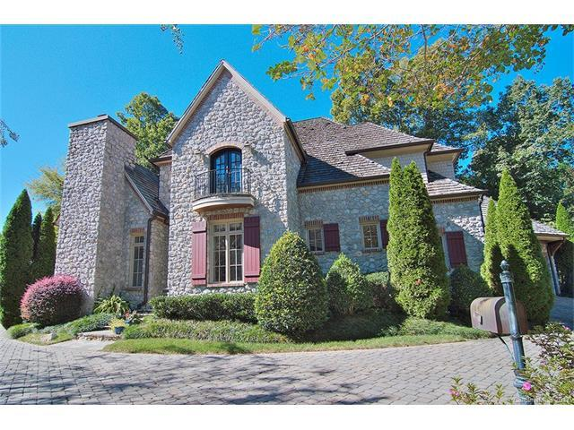 2325 La Maison Drive, Charlotte, NC 28226 (#3330557) :: Puma & Associates Realty Inc.