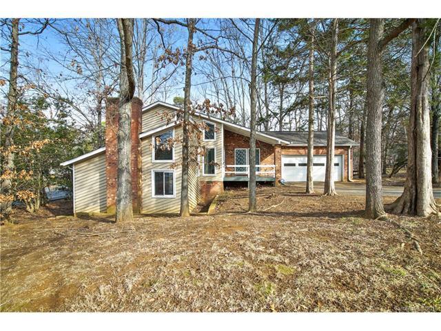 11101 Winding Way Road, Charlotte, NC 28226 (#3330655) :: David Hoffman Group