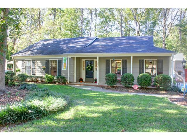 923 Wishing Well Lane, Charlotte, NC 28270 (#3330853) :: Leigh Brown and Associates with RE/MAX Executive Realty