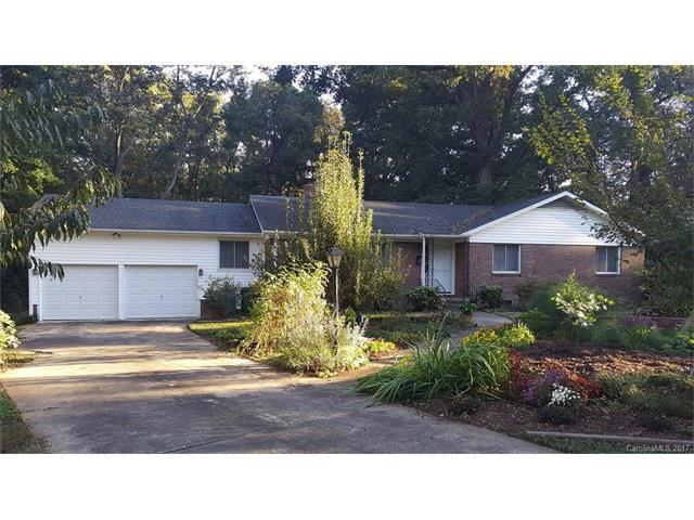 3952 Belcross Drive, Charlotte, NC 28205 (#3330885) :: SearchCharlotte.com