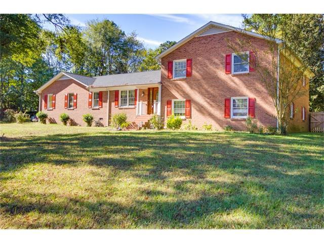1711 Woodrun Circle, Salisbury, NC 28146 (#3330956) :: LePage Johnson Realty Group, LLC