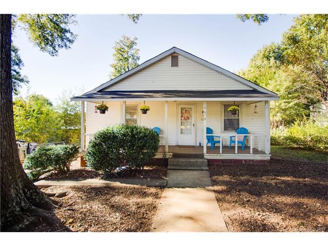 19619 Center Street, Cornelius, NC 28031 (#3331210) :: Cloninger Properties