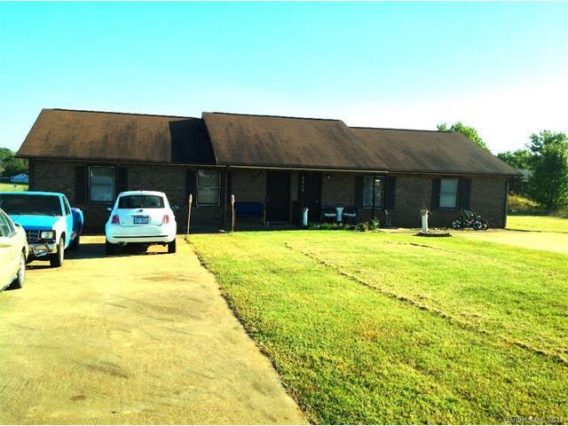 2919 Gaston Webbs Chapel Road, Lincolnton, NC 28092 (#3331326) :: The Andy Bovender Team
